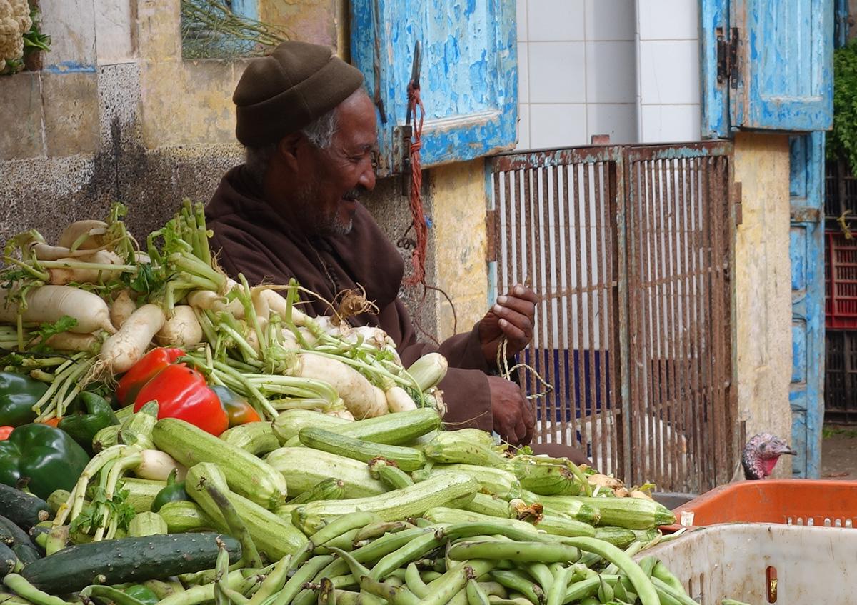 марокканский дед на базаре